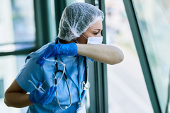 20 à 25% des personnels vaccinés se sont mis en arrêt de travail au CHRU de Brest.
