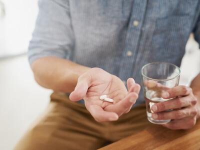 Antibiotiques et cancer du côlon : une forte corrélation chez les moins de 50 ans