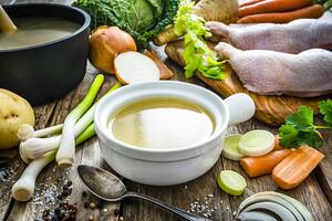 Le bouillon maison, un concentré de nutriments santé