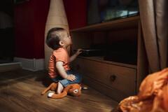 Plus un enfant est exposé tôt à la télévision, plus il la regardera