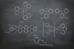 Tout le tableau périodique des éléments sera bientôt revu et corrigé par les multinationales de la chimie.