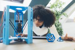 Des particules fines s'échappent des imprimantes 3D.