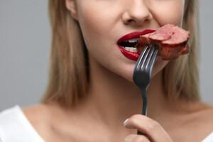 Consommer de la viande rouge augmente-t-il vos chances de souffrir d endométriose ?