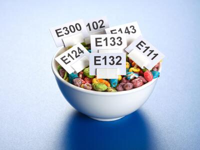 Des centaines d'additifs (pas toujours inofensifs) sont autorisés dans l'U.E.