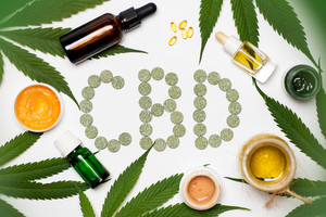 Le cannabidiol (CBD) fut la première molécule extraite de la plante de cannabis.