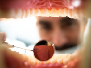 Les bactéries conditionnent la santé de la bouche et du reste du corps