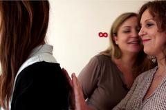 Nathalie Lefèvre a testé le magnétisme avec Lila Rhiyouri, guérisseuse
