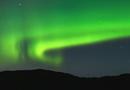 Les aurores boréales, produit des rayons cosmiques et champ magnétique terrestre