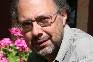 Philippe Chavanne partage son temps entre son oliveraie, ses vignes et l