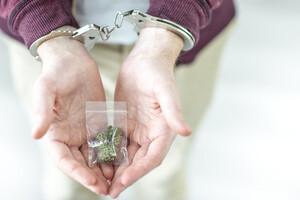 Comment nous renforçons les addictions, en prétendant vouloir les vaincre