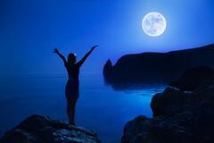 Selon le docteur Heny Puget, la lune aurait des effets puissants sur le corps humain. Véritable sattelite, elle agirait tant sur notre santé, que sur notre moral et notre bien-être.