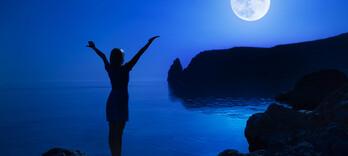 Santé en orbite : la lune influence-t-elle notre bien-être ? - Alternative Santé