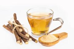 Les propriétés thérapeuthiques et apaisantes de la réglisse permettent d'accélérer la guérison.