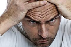 Jusqu'où les rides du front sont-elles un signe de risque cardiovasculaire ?
