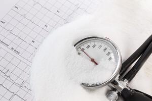 Diminuer le sel pour… augmenter le risque d'AVC ?!