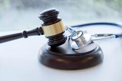 Les 54 médecins du Conseil auraient perçu un total de 4,8 millions d'euros en indemnités et remboursement de frais.