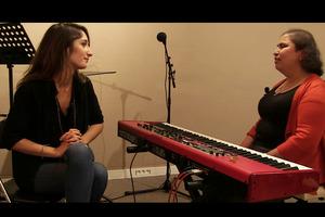Nathalie Lefèvre a testé le chant, attitude, voix avec Meryem Dogan