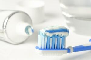 Ces nanoparticules sont présentes dans certains dentifrices, bonbons, biscuits, chewing-gums...
