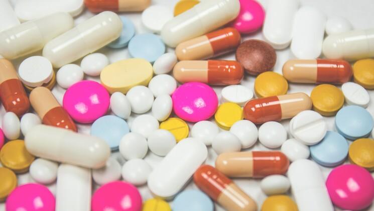 De nombreuses personnes souffrant de RGO préfèrent s'en remettre aux médicaments.
