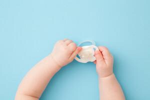 La stérilisation des tétines provoquerait des allergies alimentaires.
