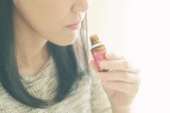 Rééducation olfactive grâce aux huiles essentielles.