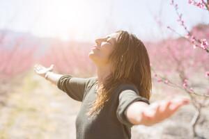 Il est recommandé de commencer à s'exposer au soleil dès le printemps.