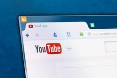 YouTube supprime les vidéos remettant en question l'efficacité ou la sécurité des vaccins approuvés par les autorités.