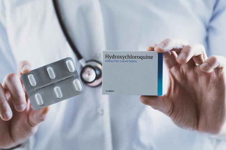 Hydroxychloroquine et azithromycine : Raoult reconnaît des erreurs mais persiste