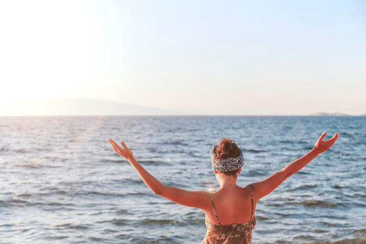 Coups de soleil, allergies solaires et tâches cutanées : les réponses naturelles